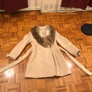 Gorgeous fur collar vintage coat